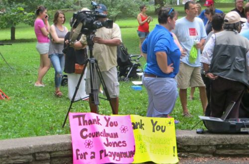 EastFallsLocal-7-17-pro-playground-signs-news-camera-zoom-1024x768.jpg