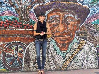 Photo-w-Mexican-Mural.TWEAKED-1024x768.jpg