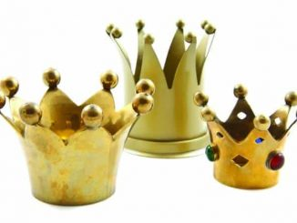 Three-Crowns-1-1.jpg